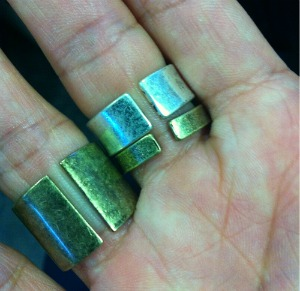 are Yves Rings adjustable, back of Yves Rings, Jewelmint