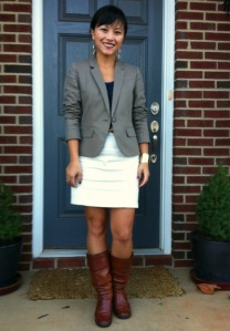 cream pencil skirt, boots with pencil skirt, boots with blazer, cognac boots