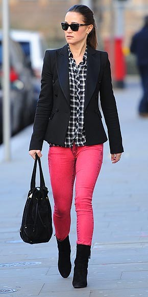 what to pair with colored jeans, colored jeans and blazer, colored jeans and plaid, plaid blouse