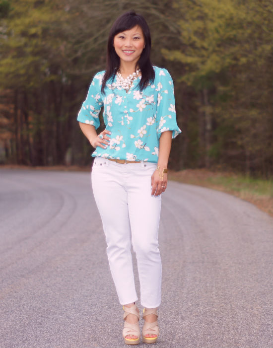 How I Wear: Bay blue floral and white jeans | My Dressy Ways