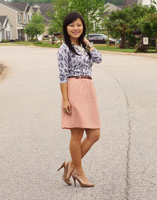 blush colored skirt, leopard print, leopard print sweater, business casual outfit