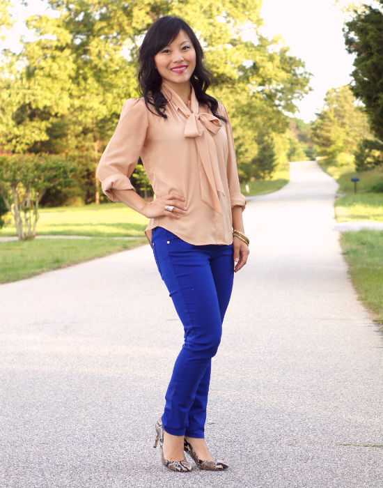 bow blouse, colored skinny jeans, colored jeans, cobalt blue jeans, snakeskin heels, business casual, nude and cobalt