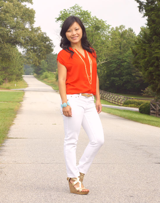 white jeans, white and orange, tomato colored top, white and gold, skinny jeans with wedges, gold wedges, dolce vita for Target, what to wear with white jeans